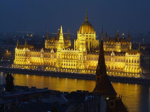 Guía alternativa para viajar a Budapest. Qué ver y qué hacer en Budapest. Opciones turísticas no convencionales para quienes, como yo, regresan a la ciudad.
