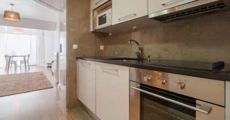 Antes e depois: Era um T1 horrível, agora é um apartamento espetacular para arrendar ao pé da praia