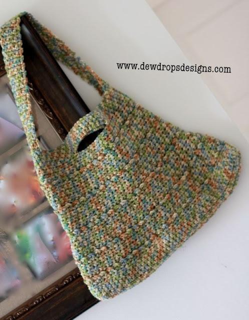 DewDrop's Designs Simple Shoulder Bag  http://www.dewdropsdesigns.com/2011/10/simple-shoulder-bag.html