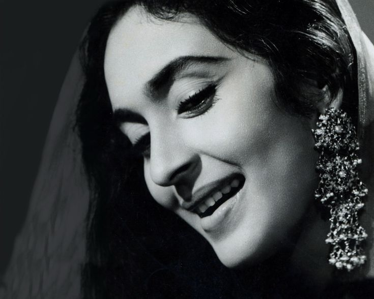 #nutan #earings (she always had the most amazing earings)