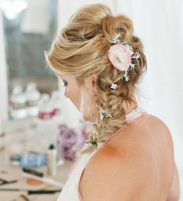 Romantic #Wedding Hairstyles for Your Big Day. To see more: http://www.modwedding.com/2013/12/17/romantic-wedding-hairstyles-for-long-hair/