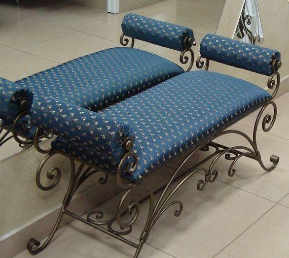 Кованая мебель для прихожей: 10 фото