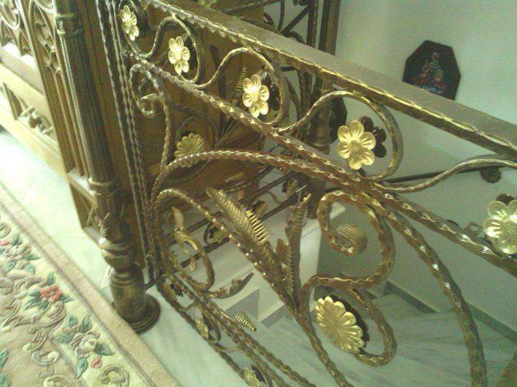 Κάγκελα παραδοσιακά  σκάλα εσωτερική ΜΠΑΡΟΥΤΑΣ ΤΡΙΚΑΛΑ