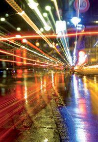 Verkehrssystemmanagement (B.Eng.) (M.Sc.)  Hochschule Karlsruhe - Technik und Wirtschaft Bisher bundesweit einzigartig: Der Studiengang Verkehrssystemmanagement in Zusammenarbeit mit Kooperationspartnern. Die Studierenden lernen Verkehr und Mobilität in seinen Wirkungszusammenhängen zu verstehen, innovative Verkehrssysteme und Verkehrskonzepte zu gestalten sowie Nachhaltigkeit und Wirtschaftlichkeit von Verkehrsprojekten zu beurteilen und herzustellen.