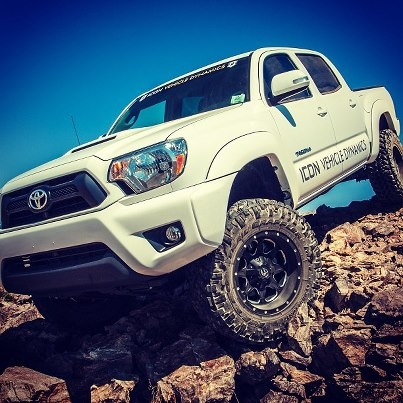 How I want MY TRUCK to look, white paint, black wheels. Good Look, Toyota Tacoma is Best Function!