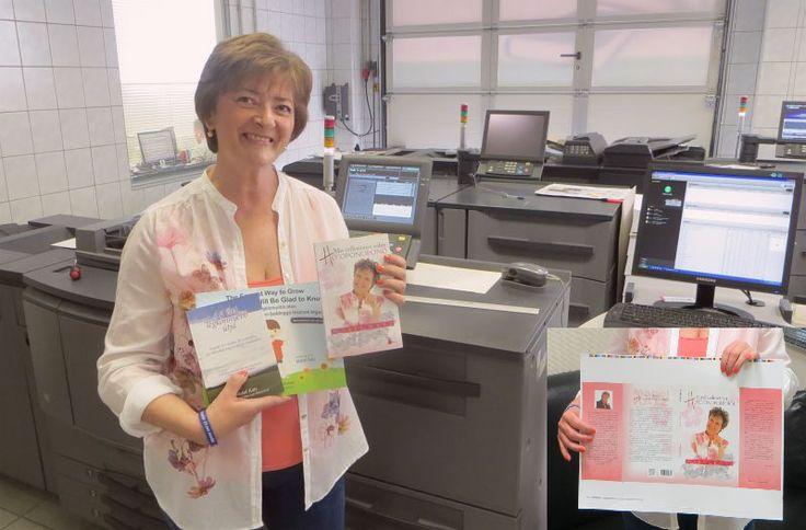 Már nyomtatjuk a magyar kiadást. Mabel Katz: Elmélkedéseim a Ho'oponoponoeól  Hálás vagyok, hogy Mabel könyveit lefordíthattam. Bennük a szív bölcsességének valódi forrására találtam. Köszönöm. Szeretlek <3