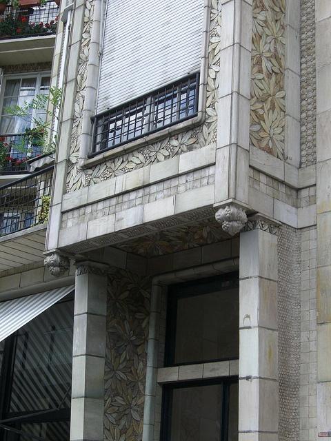 25 bis rue Benjamin-Franklin, Paris XVIe by Yvette Gauthier, via Flickr