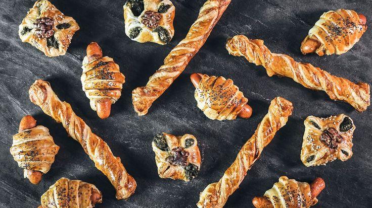 Slané pochoutky z listového těsta možná nejsou vrcholem gastronomie, ale ruku na srdce, všimli jste si, že na večírcích většinou mizí jako první?