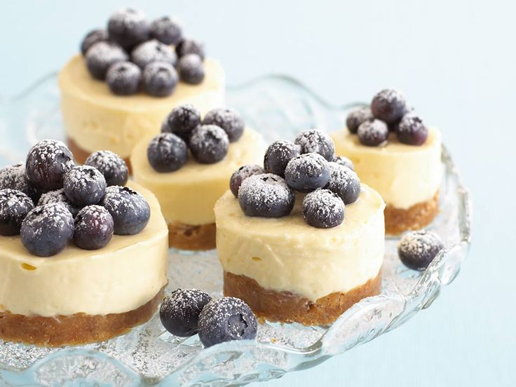This is one of my favourite recipes for lemon cheesecake. Try making this lemon cheesecake recipe with your kids!