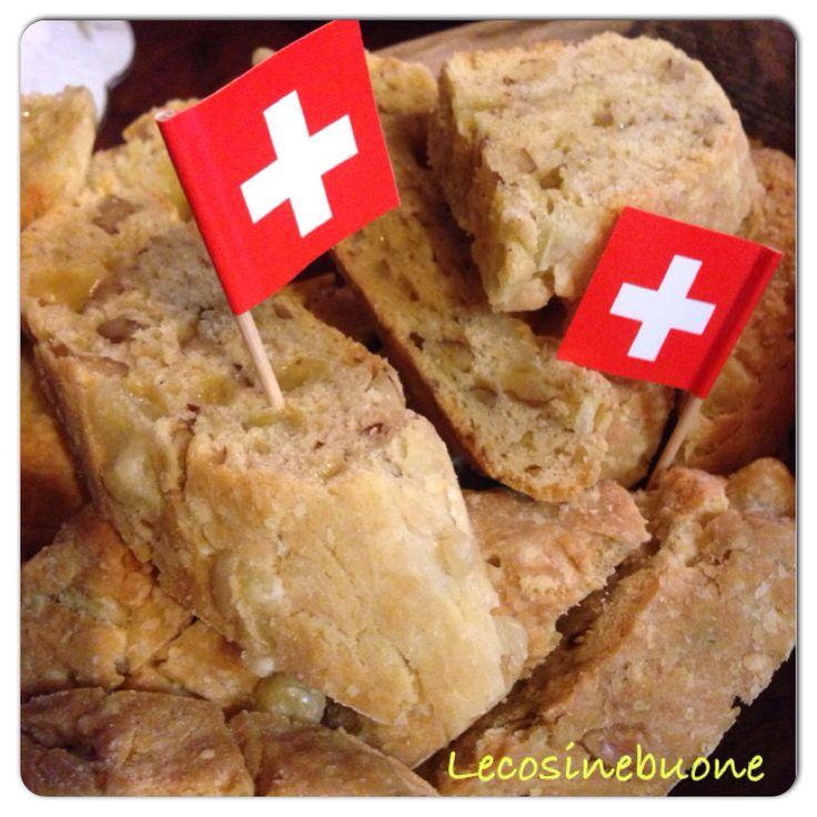 Cantuccio salato al formaggio e noci http://lecosinebuone.wordpress.com/2014/10/22/cantucci-salati-con-emmentaler-dop-e-noci/