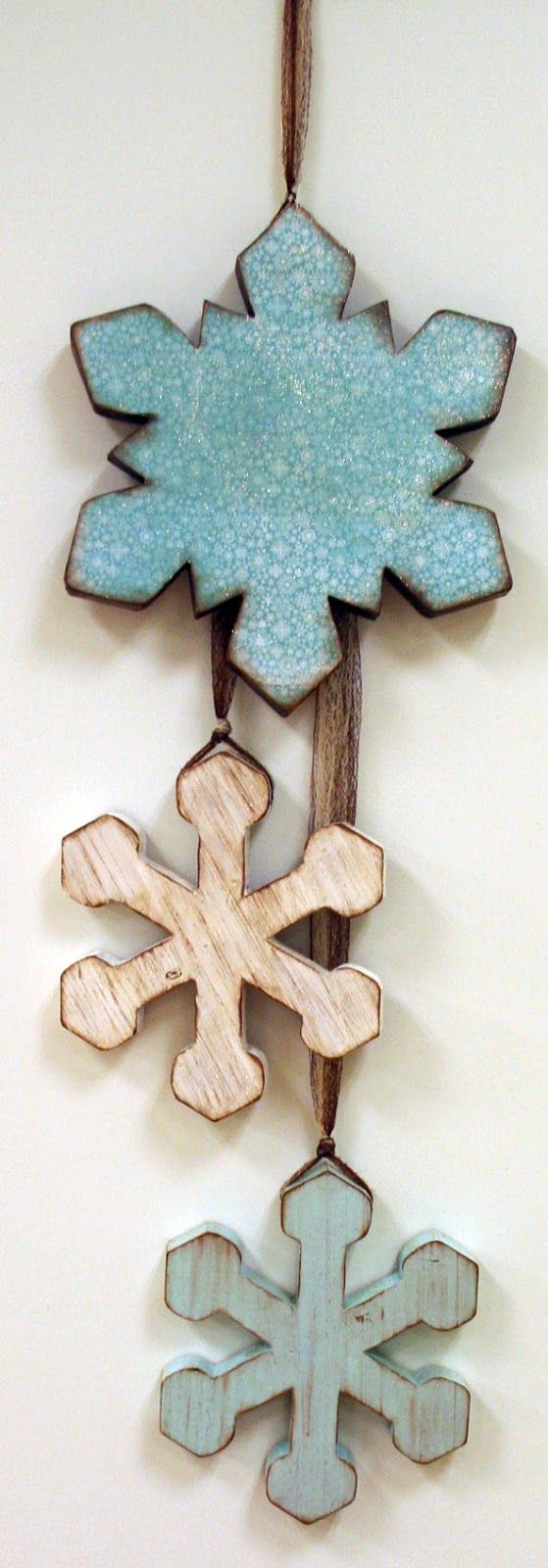 Oh My Crafts Blog: Snowflakes Wood Decor
