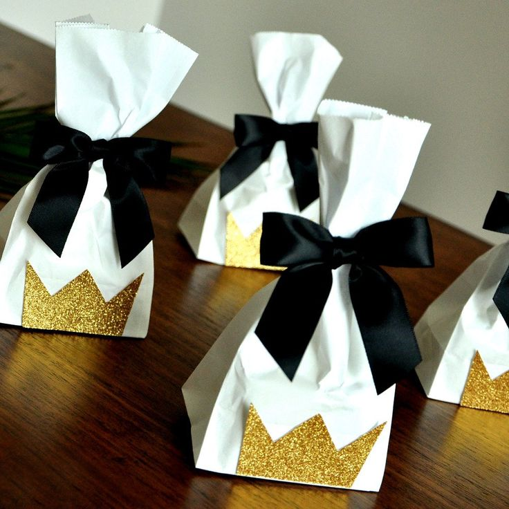 Wild One Favors Idea. Handcrafted in 1-3 Business Days. Mini Party Favor Bags with Bows 10CT. Young Wild and Three Party Crown Bags.