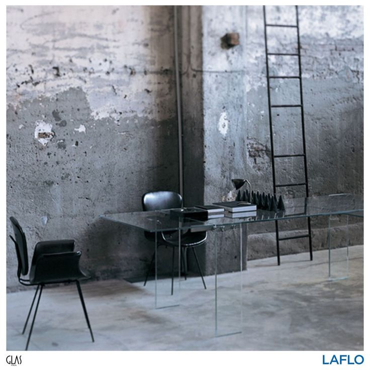 Naked the unique extanable transparent glass table by Piero Lissoni will give a specious feeling to any room . . . . . #design #designs #designer #designers #interiorstyling #interiorinspiration #interiordesign #qualityliving #homedecor #home #inspiration #interiorinspiration #designinspiration #productinspiration #art #findyourinnerexpression #LAFLO #instadesign #instagood #instadaily #glasitalia