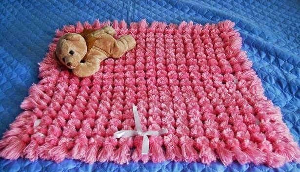 Cómo hacer una alfombra de pompones paso a paso, explicado con fotos y video КАК СДЕЛАТЬ ПЛЕД ИЗ ПОМПОНОВ ЗА ОДИН ДЕНЬ - 3 МК.