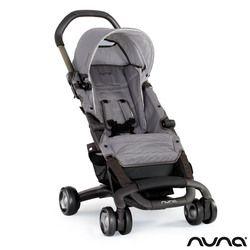 La poussette Pepp est la poussette compacte par excellence. Elle vous permettra des promenades avec bébé dans toutes les conditions. Elle est légère et se plie/déplie très facilement.