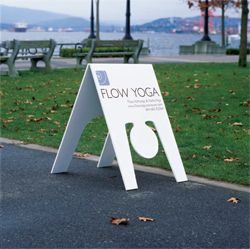 Stretch, Pull and Push - 8 Brilliant Ways of Selling Yoga - This would be an awesome sign with a gymnast | #ambient #outdoor #creative #standee #sensationmarketing #guerilla #stunt #guerillamarketing #guerilla #viral repinned by www.GuerillaMarketing-Agentur.de a division of www.BlickeDeeler.de