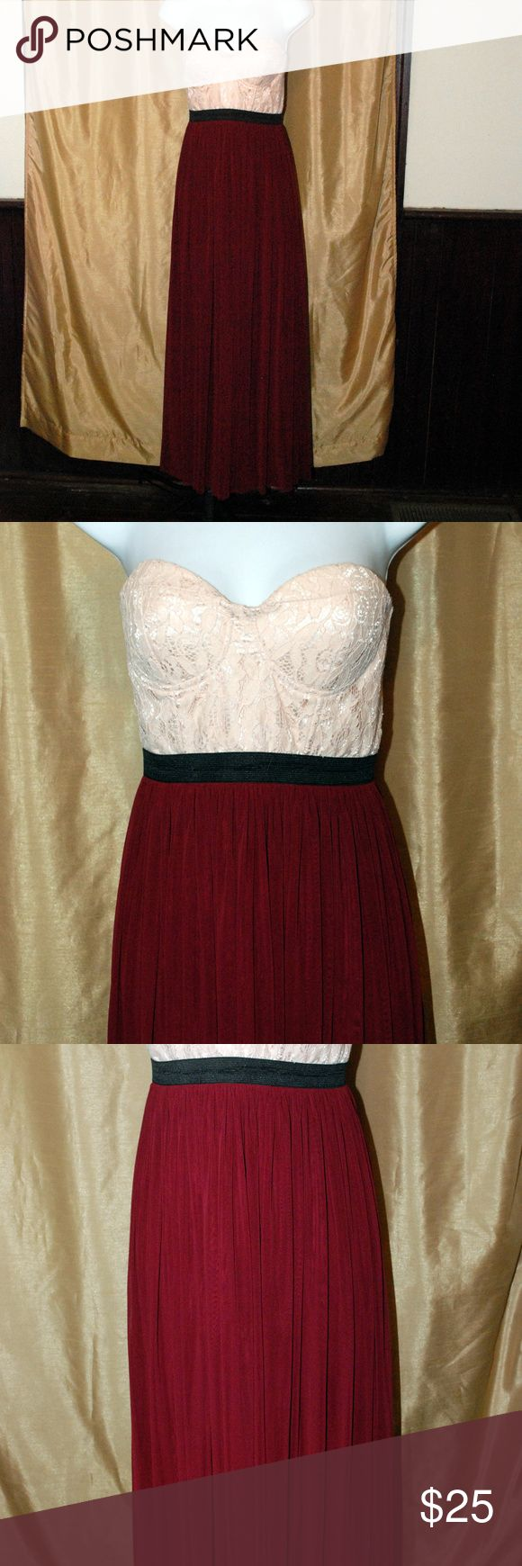 Love Culture size small Strapless maxi dress Fall Love Culture size small Strapless maxi dress Fall Gorgeous Fall colors Smoke free home strapless dress bustier style lace top Free flowing skirt Love Culture Dresses Maxi