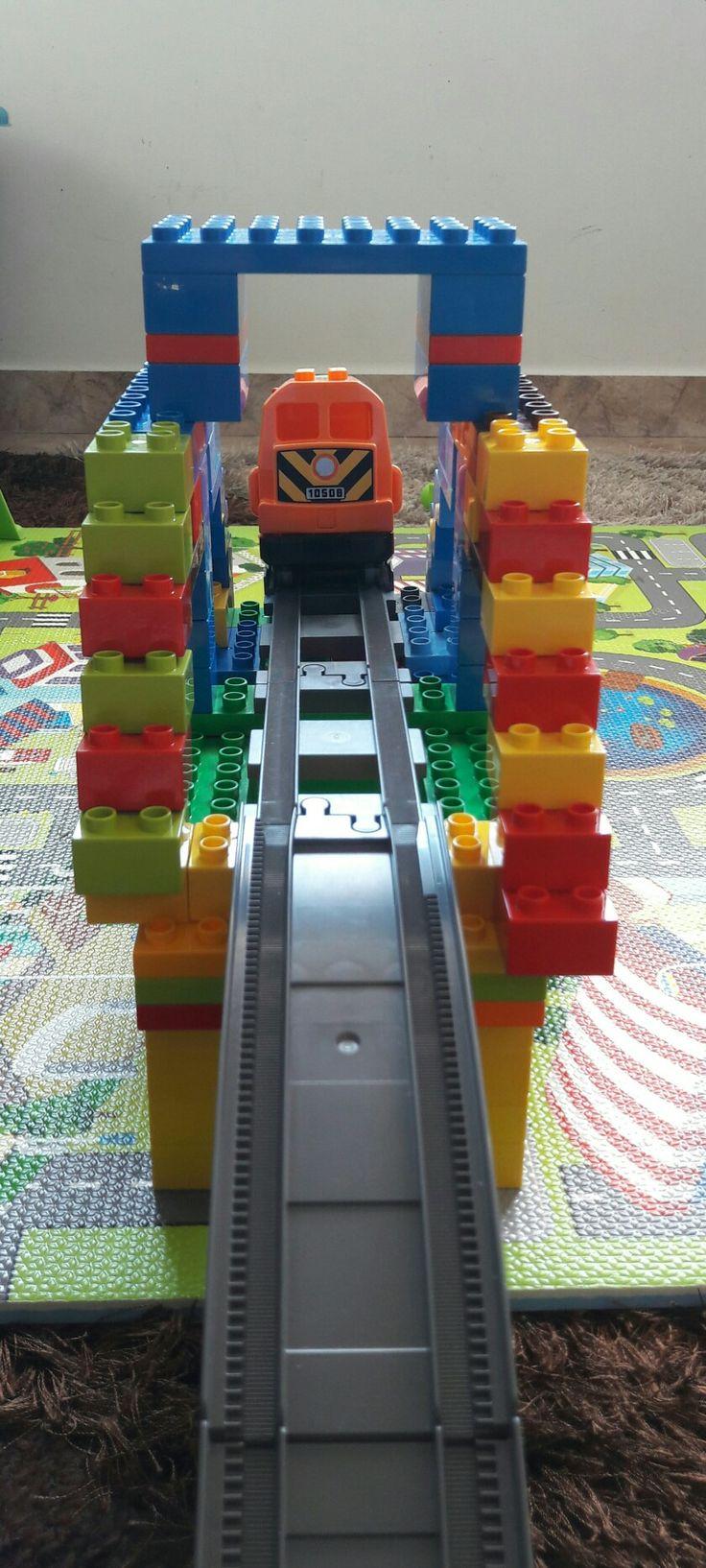 Duplo train bridge 3