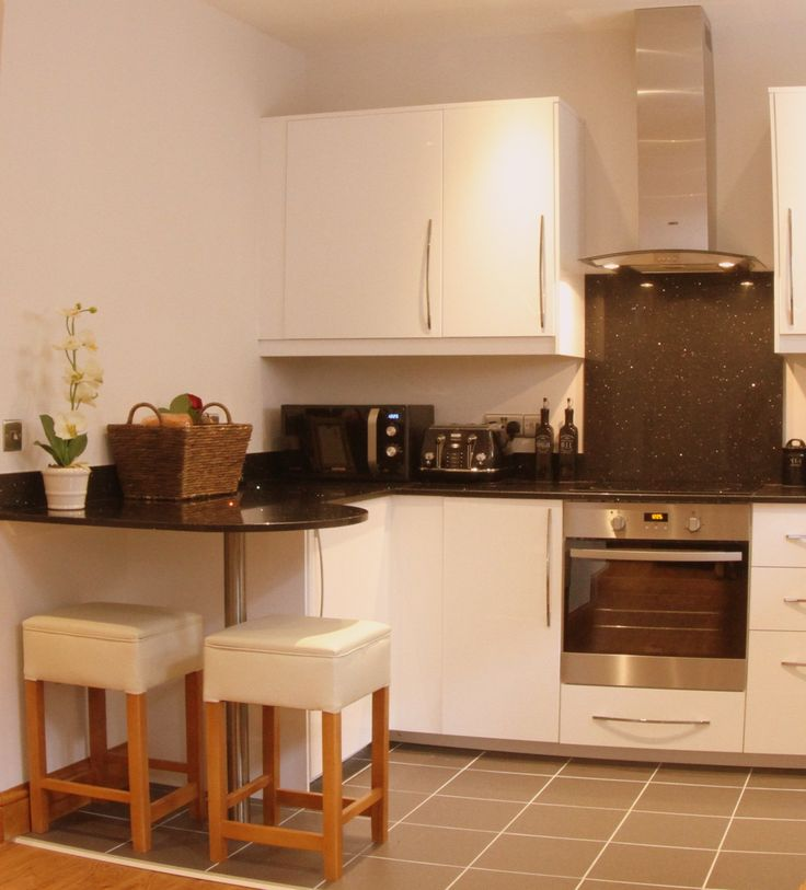 Garden Mews - Fully equipped self-contained kitchen with washing machine, dishwasher and all appliances