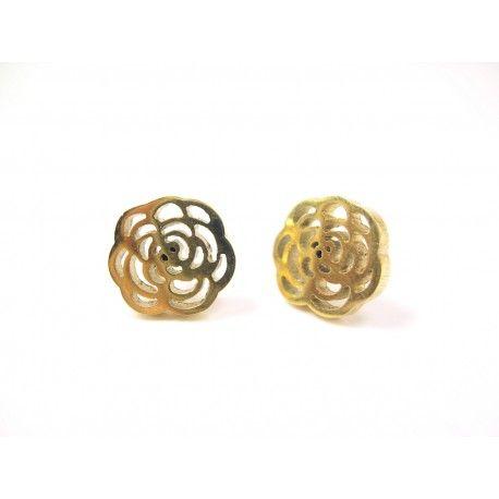 Pendientes de acero dorados modernos con forma de flor - BisuteriaDeModa.es - BDM -#Pendientes de #acero #dorados modernos con forma de flor - #complementos #mujer #online