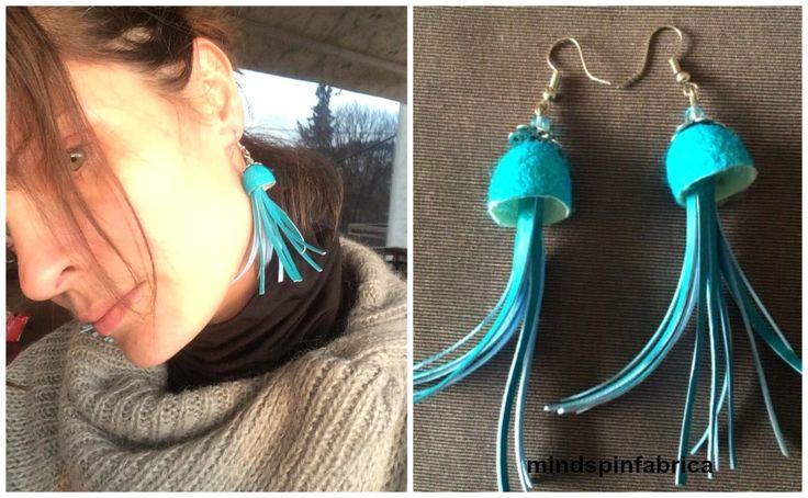 Σκουλαρίκια με κουκούλια μεταξιού και φούντες_mindspinfabrica