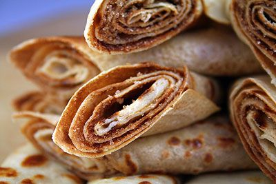 Pancakes with Cinnamon & Sugar (South African Pancakes)