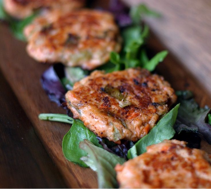 Salmon cakes (croquettes) #glutenfree #grainfree - my 9 month old loved these and he has always hated salmon! #BLW