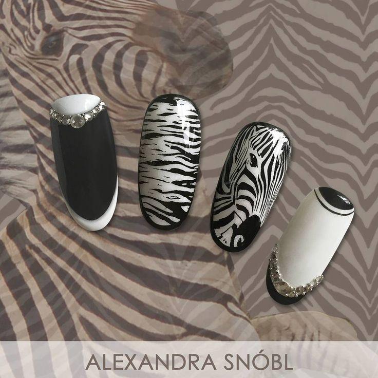 Nail art with Moyra nail art stamping plate No. 04 Animalistic #moyra #nailart #stamping #plate #animalistic
