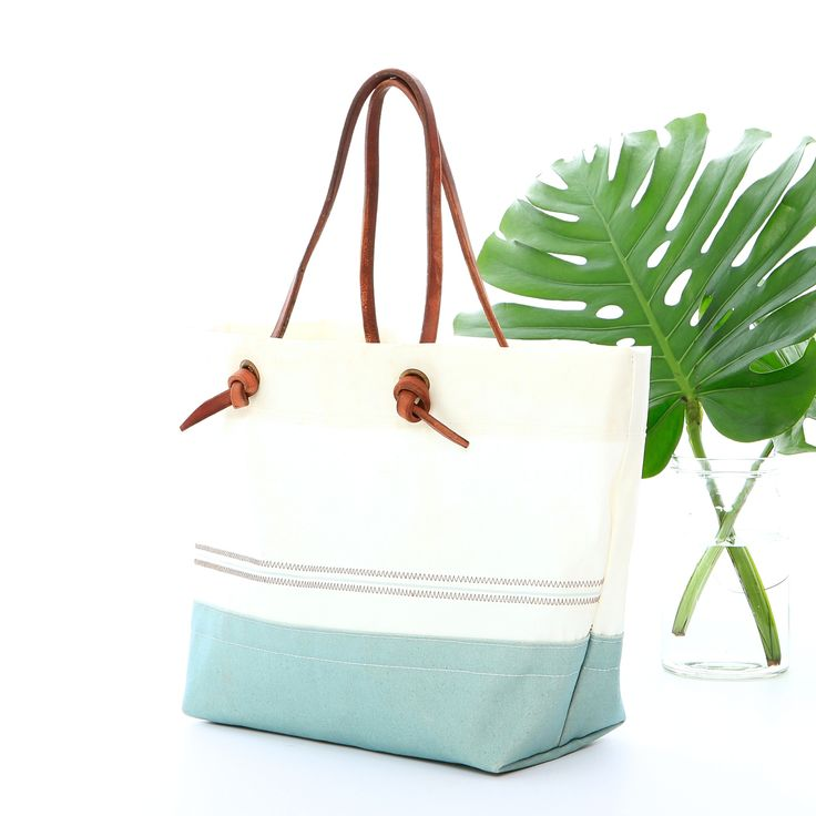 Knotted Classic Tote Bag | Susan Hoff
