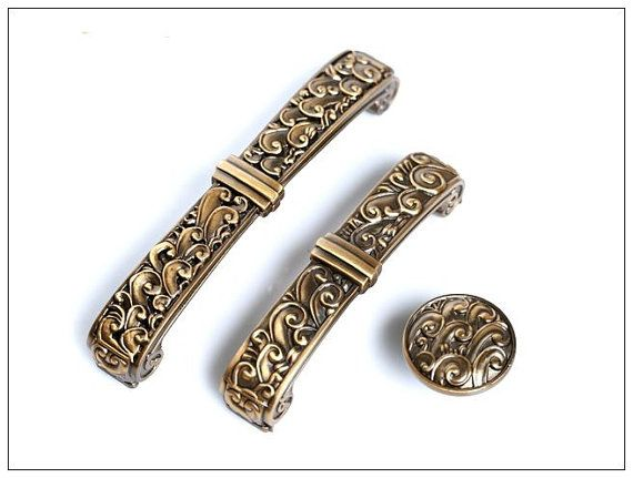 Roman Pattern Vintage Drawer Pulls Country Style , Antique Brass Finish  Metal Furniture Knobs Kitchen Cabinet
