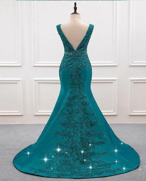 Decote em v decote vestido de sereia com apliques de renda frisada   – Gowns & beautiful dress