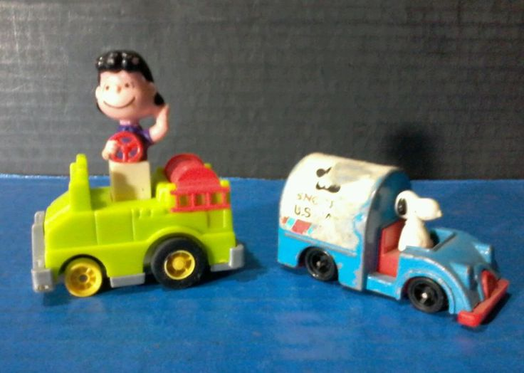 PEANUTS TOYS : Lot of 2 Snoopy Mail Truck Lucy van Pelt Car Toy Collectibles