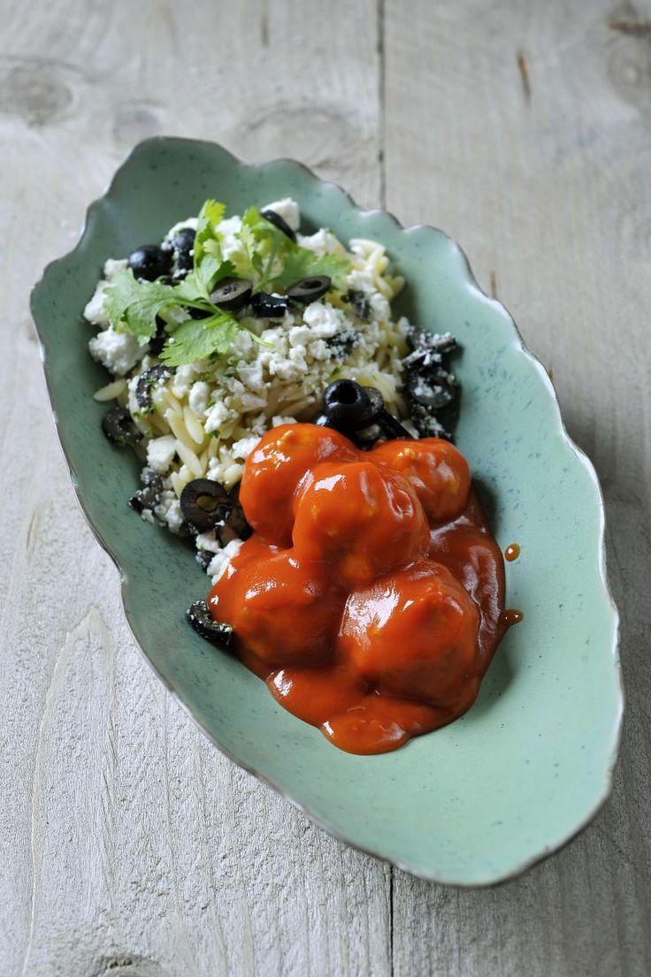 """Het lekkerste recept voor """"Griekse balletjes in tomatensaus"""" vind je bij njam! Ontdek nu meer dan duizenden smakelijke njam!-recepten voor alledaags kookplezier!"""
