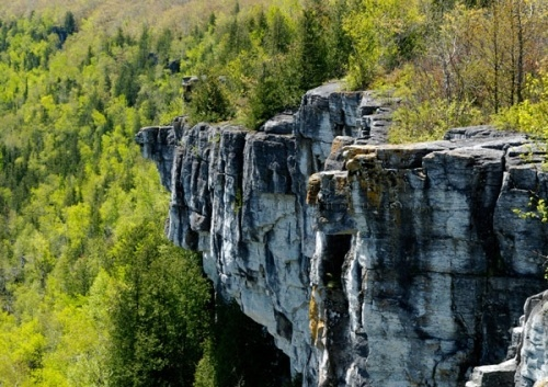Manitoulin Island.- Cup and Saucer Trail