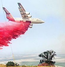 BAe 146 air tanker at Range Fire in Kern County, California, 2016.