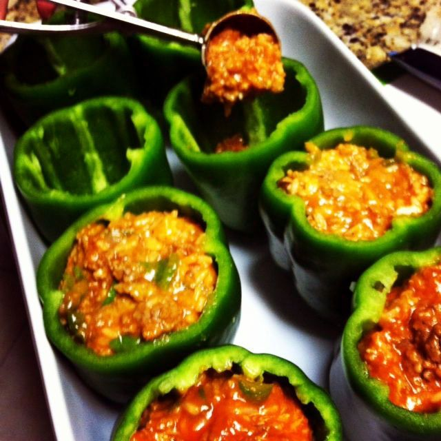 Great Stuffed Green Peppers Cooked In Microwave On Your Favourite Meals Stuffed Peppers Green Pepper Recipes Peppers Recipes