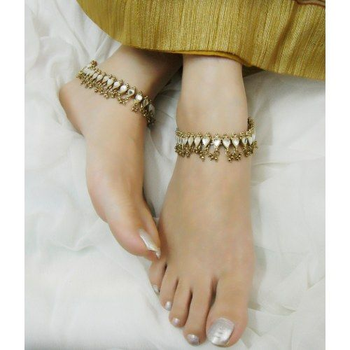 Best 25+ Anklets Online Ideas On Pinterest  Gold Anklet. Platinum Wedding Band Sets. Crystal Earrings. Costume Earrings. Horizontal Bar Necklace. 14k Gold Wedding Rings. Inlay Earrings. Leaf Bracelet. Leaf Chains
