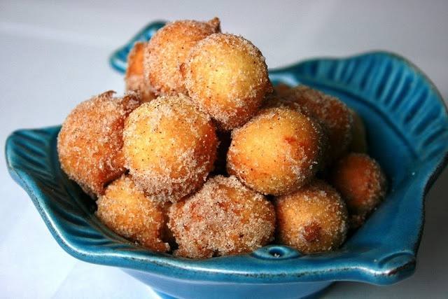 Cooking is a Pain: Cinnamon Sugared Drop Doughnuts