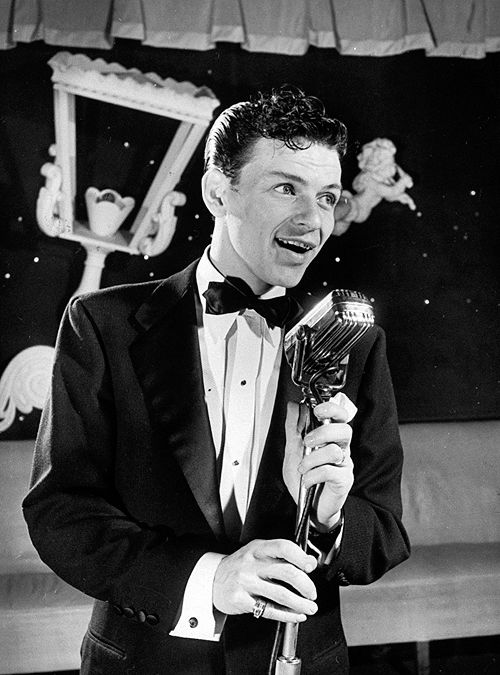 Frank Sinatra performs at the Riobamba nightclub in New York, 1943, photographed by Herbert Gehr
