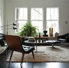 See more Mad Men lighting and furniture inspiration for your interior design project! Look for more midcentury home decor inspirations at http://essentialhome.eu/