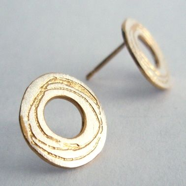 Spiral etched silver washer earrings   Contemporary Earrings by contemporary jewellery designer Kate Smith