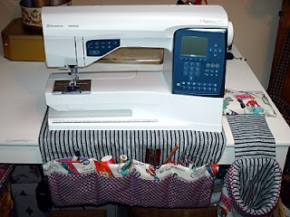 whole page of links to pin cushions and sewing accessory tutorials