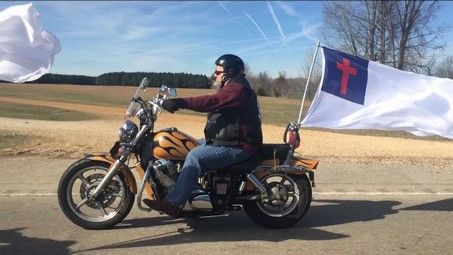 Town takes stand after mayor forced to remove Christian flag - http://conservativeread.com/town-takes-stand-after-mayor-forced-to-remove-christian-flag/
