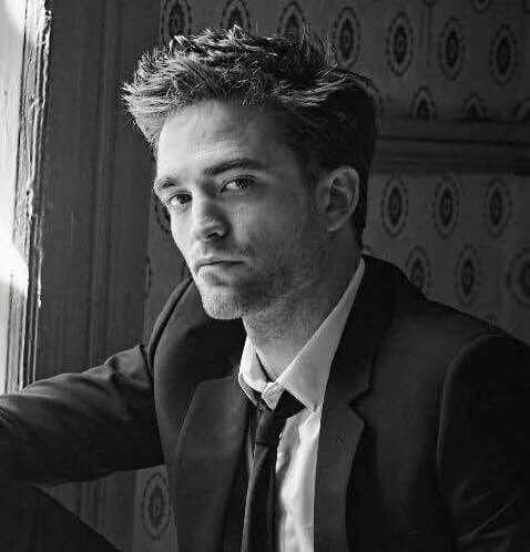 Robert Pattinson Pic....