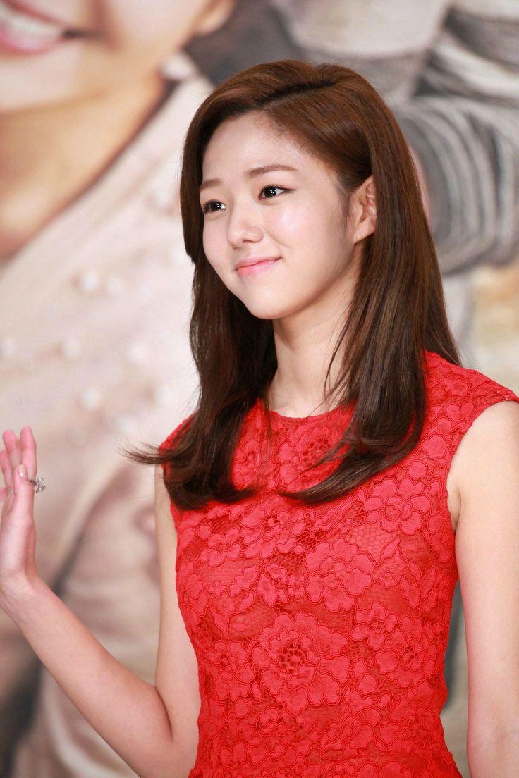 채수빈(蔡秀彬 Chae Soo-bin) R2000x0 (1200×1800)