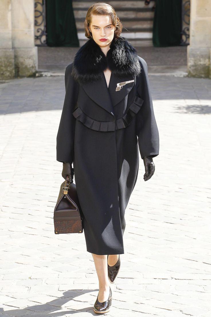 Ulyana Sergeenko Haute Couture Fall Winter 2017-2018 :: The Wonderful World of Fashion