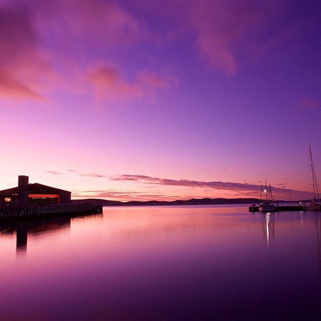 First light over #Hobart via http://buff.ly/1LPHio8?utm_content=buffer3fc51&utm_medium=social&utm_source=pinterest.com&utm_campaign=buffer