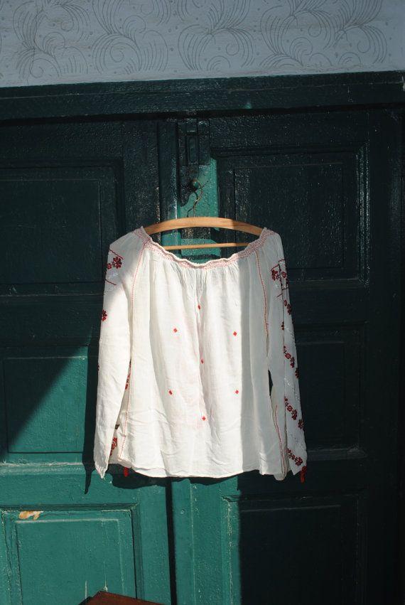 Peasant blouse. embroidered blouse embroidered by BalthazarVintage