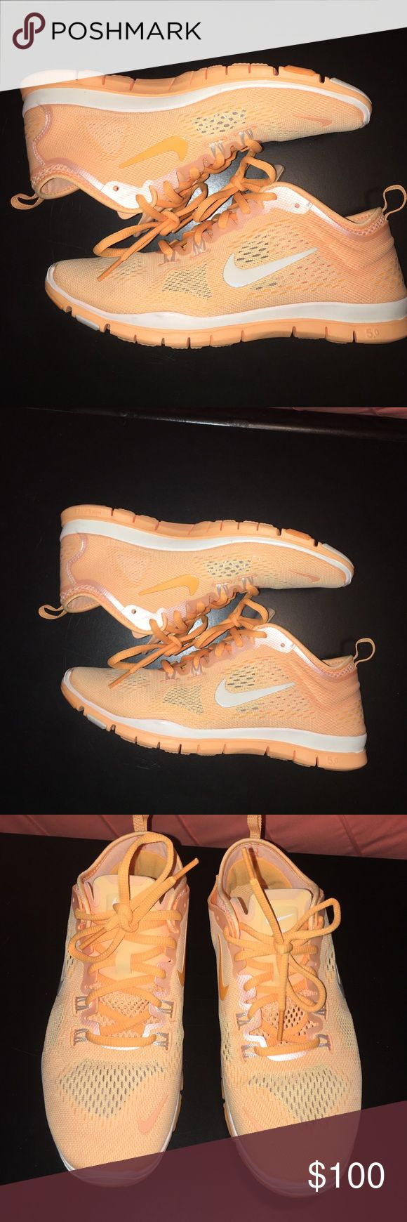 Nike free run Women's Nike free run size 7 1/2. Excellent condition only worn a few times! Nike Shoes Sneakers