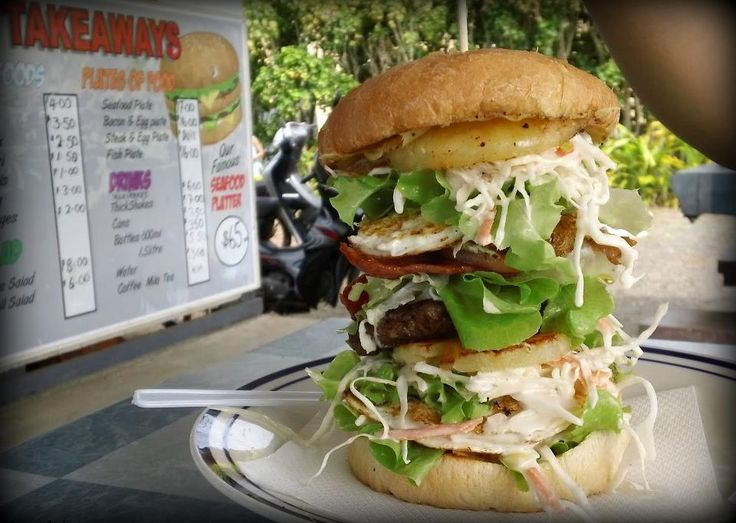 ..a Cook Islander or anyone visited Rarotonga would know this popular 'Palace Burger' (with many stories to tell...lol)    Like and Share...